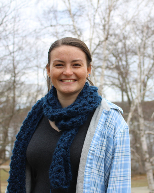 Sidney Anderson '19, will spend her 2018 Acadia Scholars internship working with wildlife biologist Bruce Connery to research snapping turtles in Acadia National Park.
