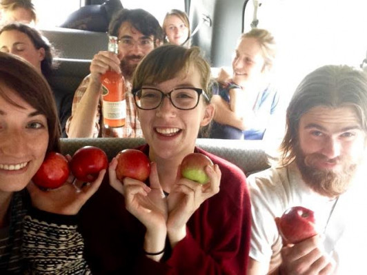 Claire Jordy returning from a 2-day field trip to Vermont to study apples as part of the course ⮮.
