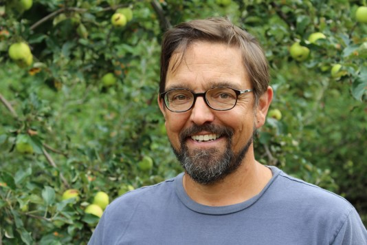 Professor Todd Little-Siebold is on a search for Maine's lost apple varieties.