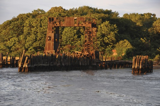 Abondoned dock on North Brother Island.