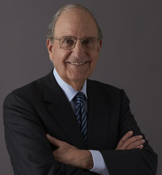 Maine Senator George Mitchell brings his foreign policy expertise to the 2018 College of the Atlantic Champlain Institute: International Affairs.